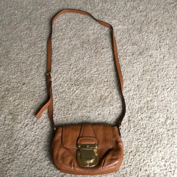 80dde819e668 Michael Kors Bags | Tan Leather Gold Crossbody Purse | Poshmark